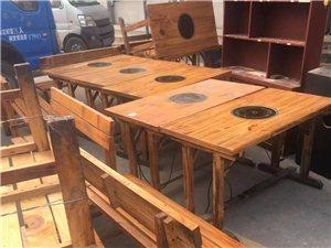 一个桌子配2个凳子