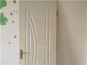 3个图一这样的门八成新,很沉,复合板材质。一个图四门 2个木制床 一共600,心诚可议价!!!!