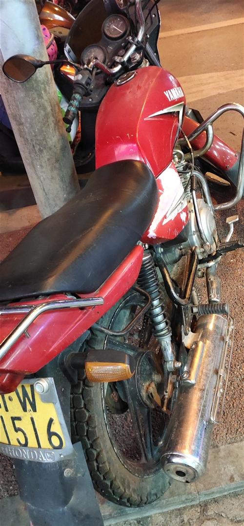 二车雅马哈摩托车不经常使用,想低价出售,想要的来电15183423375