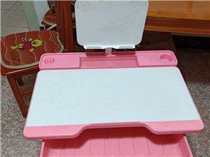 可调节高度写字桌,长70cm,宽50cm,7-8成新,自提50元,提货地址:公园小学边
