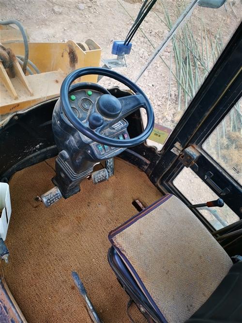 转让一辆14年的宏宇重工铲车,型号926E,轮胎20.5/70-16,4缸发动机,手动变速箱,加大斗...