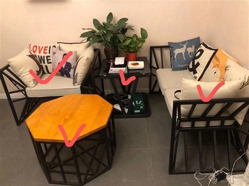 北欧创意铁艺沙发一套,9成新,价格美丽,有需要的可以面议