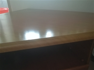 电视柜也可做床头柜。20元,电话:13845801633