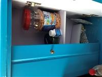海星牌鱼缸,尺寸50×30,配套齐全!触屏显示,多色灯管!使用不到一个月,带底柜!非诚勿扰