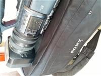 因本人要外出做事,所以把自己原价1万8千元买来的,婚庆,庆典活动等高品质专业大摄像机低价1620元转...