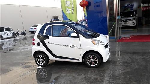 枫林绿洲小区有一辆聚杰电动四轮车,9成新,低价转让,见车谈价