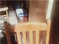 出售九成新桌椅四十套及其它饭店用品