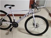 山地自行车价格可谈送锁,工具都在,有前叉减震 因为**,转让山地自行车,一次也没骑过。 转手原因...
