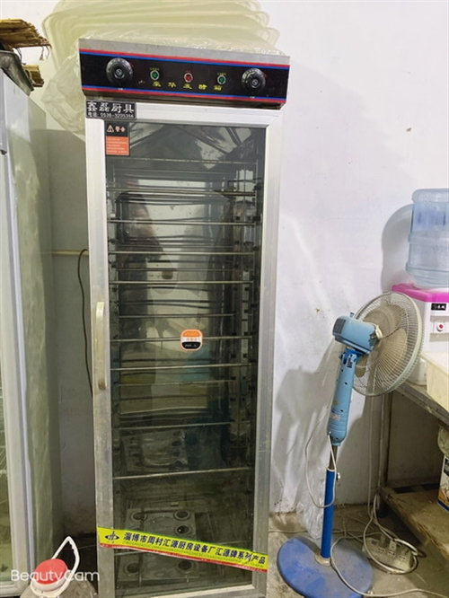 因房租到期,现低价出售经营面食的设备有烤箱,打面机,压面机,醒面机,冰箱,炒菜炉