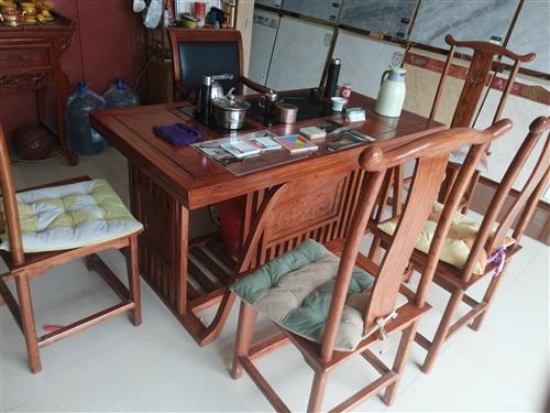 新中式茶桌帶五把椅子去年11月份買的門頭房轉讓處理。