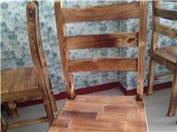 全实木桌椅,共5套,一桌配四把椅车,另有冰柜,空调处理