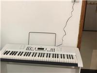 電子琴,61鍵9成新,手感很好,適合大人孩子練習和彈玩,有需要的與我聯系