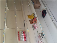 超市货架、烟柜、护肤品柜、饼干柜转让,九五新,需要的可以联系,电话微信17629906768