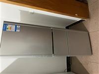 因搬新家 出售冰箱和洗衣機,適合租房用,一共600元,有需要請聯系。