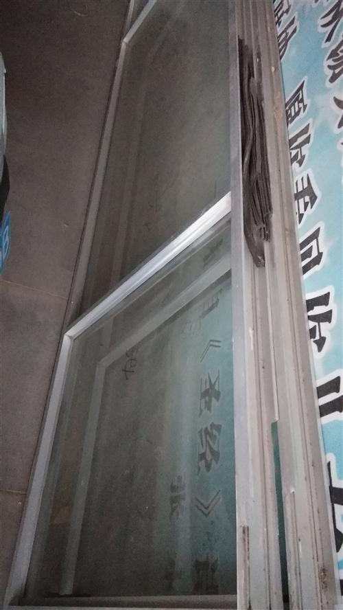 出售铝合金门两个!宽度80公分,长2米八!价格低!!!
