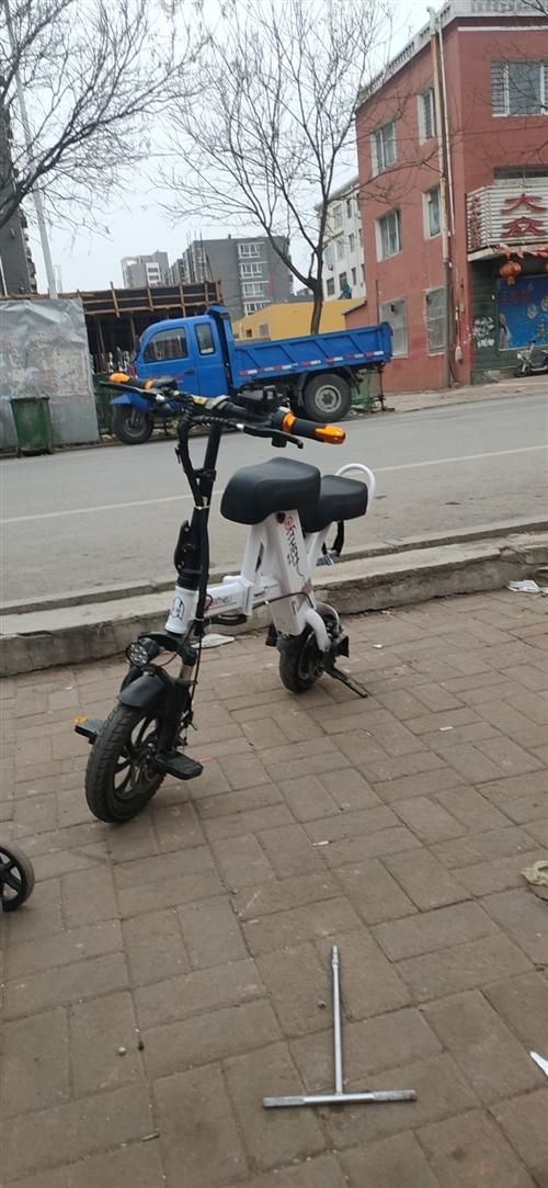 锂电池电动车,买了不到一年,轮胎还有胎毛,因没人骑,低价出售