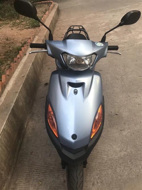 二手踏板摩托車   八九成新   價格便宜《1500一輛》有需要的可以聯系