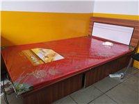 九成新單人床和辦公桌