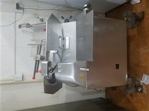 木�m香烤肉店店�人�以物品低�r出售,或打包出售什么都有,地址,公安局路北��13948544606
