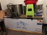 早餐店设备,卤菜店设备。价格面议。有1.2米的冰柜,1.5米的冰柜,1.8米的冰柜,煮面的炉子,煎锅...
