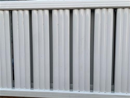 因拆迁需要,现低价处理暖气片跟炉子。7组暖气片,只用了三年左右。