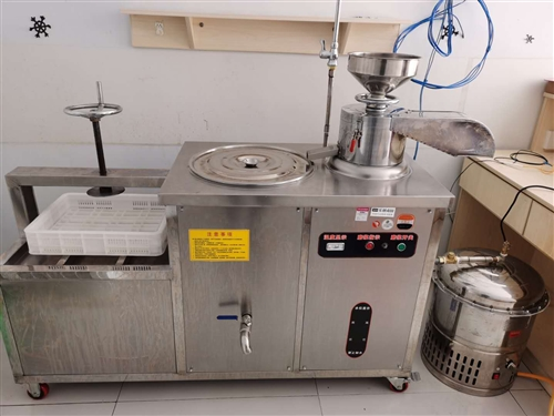 低价转让自动豆腐机,九九成新,可做豆腐,豆花,豆干等,青州市里交易