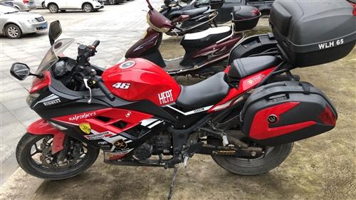 出一臺國產小忍者200cc,有牌有證,帶三箱,3000公里沒怎么開,最近換車便宜甩,隨時可以試車,必...