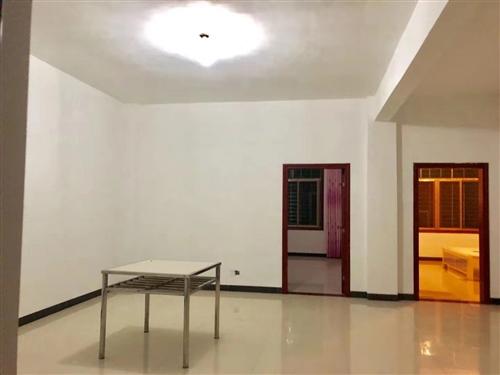 阳光套房长期招租,可以全家入住,方便上班小孩上学。  房子两室一厅、厨房卫生间,房租每月600元...