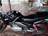 铃木125 外星人摩托车 8成新!车身略微划痕!成色一般!过户费自理!