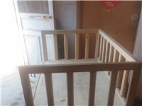 纯木头婴儿床,宽60长100腿高45带轮子。