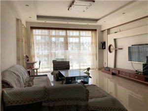 世纪豪庭3室 2厅 2卫2800元/月