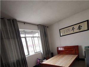 温泉花园小区(酒厂)4室 2厅 2卫1300元/月