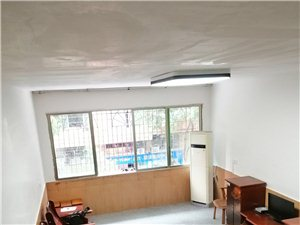 区检察院家属院建设路4室 2厅 2卫1100元/月