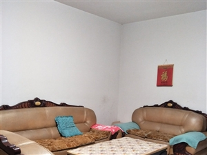 金鸡万人小区3室 1厅 3卫1250元/月