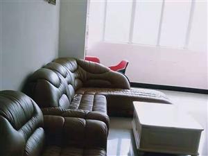 工行楼上3室 2厅 2卫2000元/月
