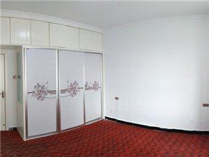 吉房出租金泰王朝2室 2厅 1卫2000元/月年付