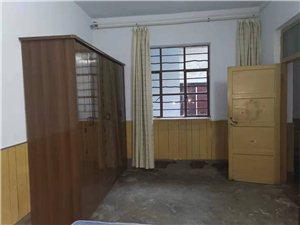 开阳路二层独院3室 2厅 1卫1000元/月