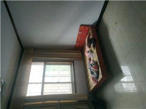七一路西段黄金桥附近5室 2厅 1卫1100元/月