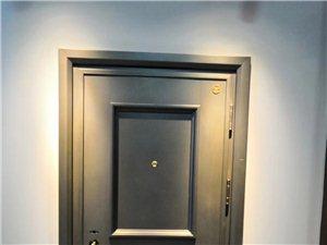 霍思特安全门即日起购买防盗门赠送超值户内保洁一次