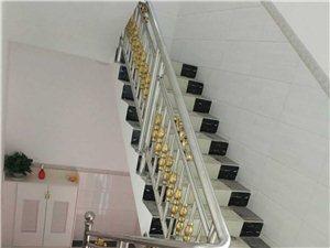 承接各种不锈钢楼梯扶手、门、窗、铝合金