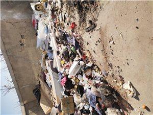德轩小区垃圾一年了