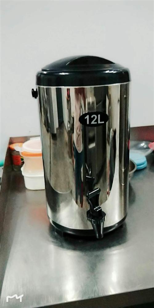 带嘴保温壶,12L,八成新,保存良好