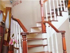 精装楼梯,高端大气上档次,为你的家增加一份光彩。
