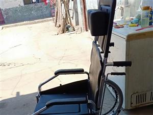 高配置轮椅承重100kg,亲戚们送的没用全新买时1500 现在低价威尼斯人注册有需要的联系我价格差不多都行...