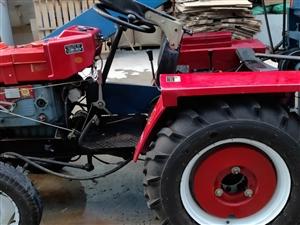 出售,洛陽28王四輪車一輛,帶打玉米機一個。