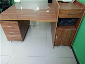 二人�M�k公桌,全新�]用�^,空�g大,超��用