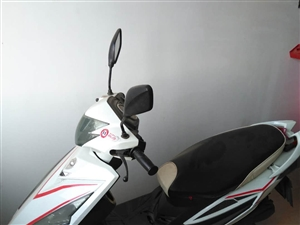 九成新踏板摩托�,因要了二胎�T不著了,超低�r�理,非�\勿�_。