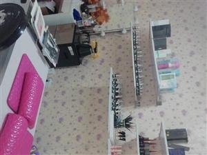 出售美甲桌椅,甲油膠 ,冷熱噴霧蒸臉美容儀,LED美容燈,紋繡色料,八成新,(備注:原來因上一休息三...