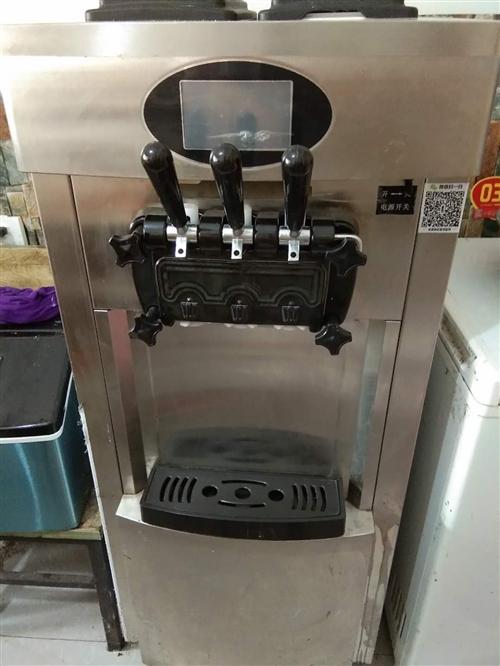 奶茶店转让,有冰淇淋机一台,冰柜一台,封杯机一台,沙冰机一台,电炸炉一台,便宜处理了,想了解的价格可...