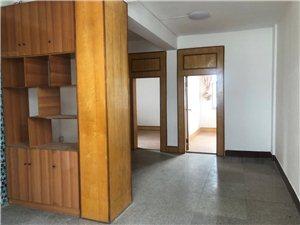 建水县农机公司内3室一厅一厨一卫住房出租 2019A-995